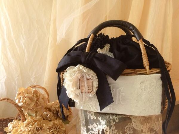 黒いリボンが大人かわいいかごバッグ*160609